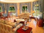 Family room of Blue Wren